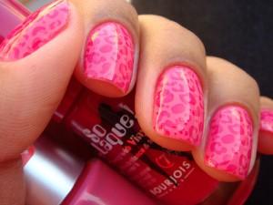 """Короткие ногти """"любят"""" яркие цвета"""