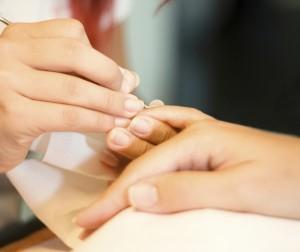 Коррекцию ногтей гелем необходимо будет повторять каждые 3-4 недели