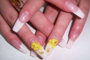"""На длинных ногтях более изящно выглядит форма """"Зауженная лопатка"""""""