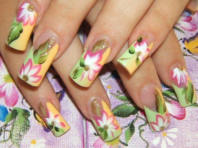 Акриловые рисунки на ногтях
