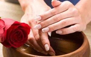 Ванночки - хорошее средство для стимуляции роста ногтей