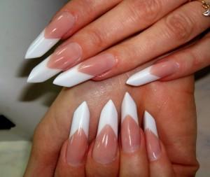 Благодаря наращиванию мы можем иметь любую форму ногтей