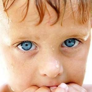 У детей, которые грызут ногти, часто встречается панариций