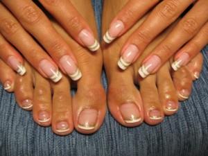 Отслоение ногтя может появиться внезапно, даже на самых ухоженных ногтях