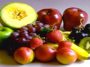 Главным средством профилактики шелушения ног является достаточный прием в пищу витаминов