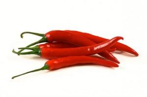 Красный перец можно использовать не только в качестве специй, а и в составе масок для укрепления и роста ногтей