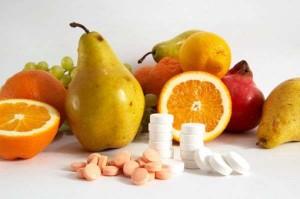 Недостаток витаминов в организме может сделать ногти волнистыми
